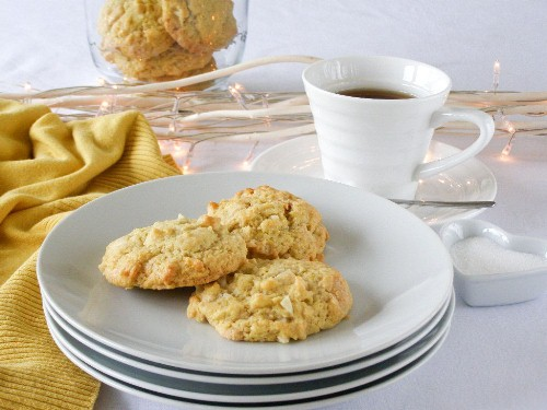 Vegan White Chocolate Lemon Macadamia Nut Cookies