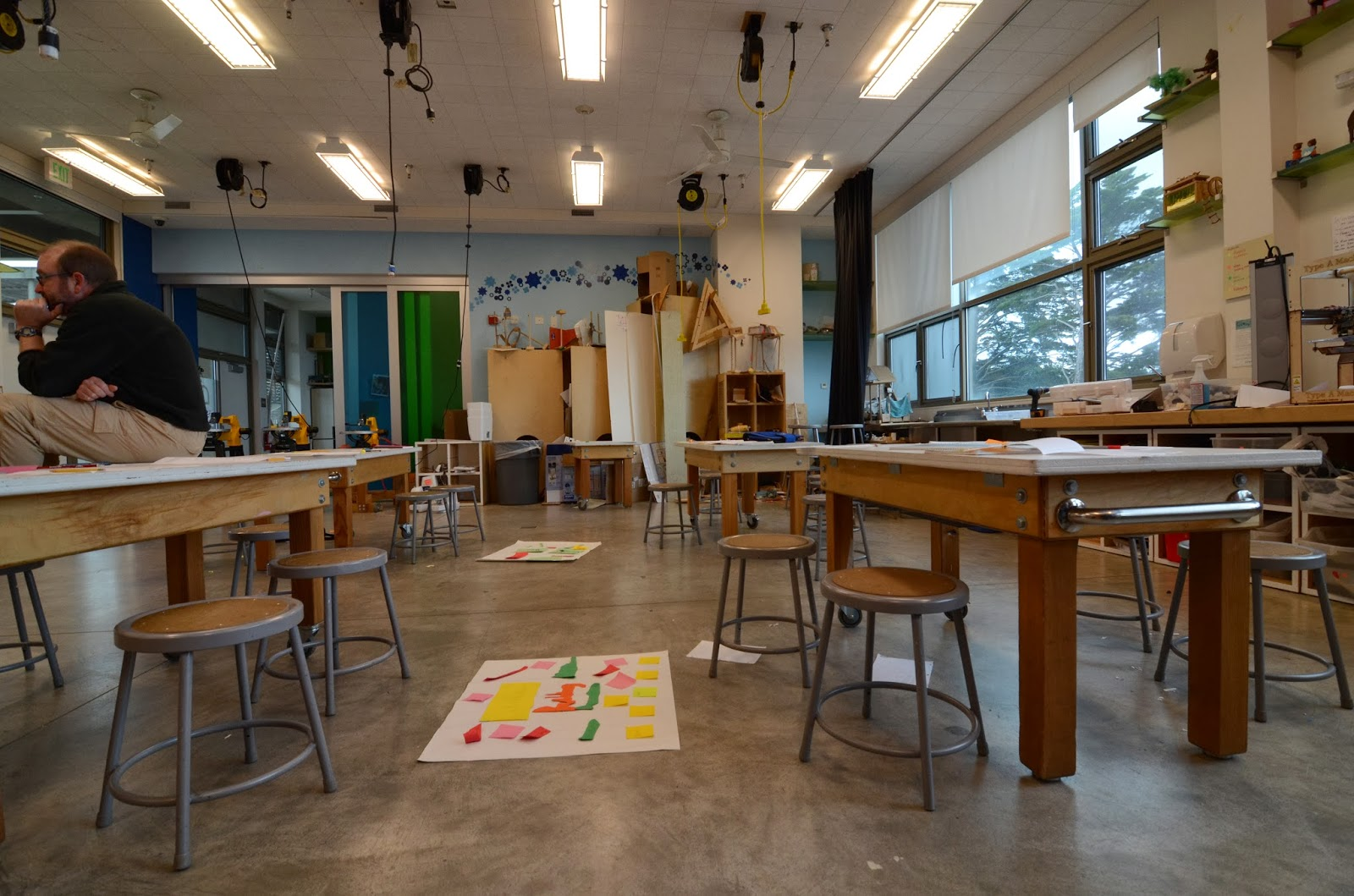 Minimalist Classroom Noise : Teaching science in the st century school make