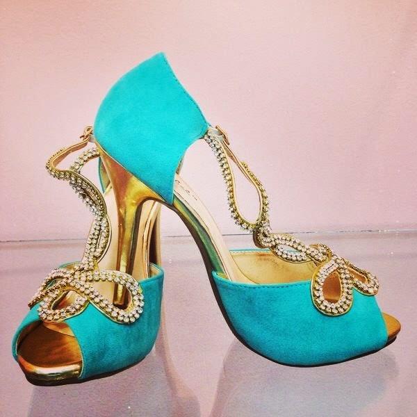 the prettiest mint heels
