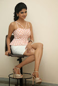 naveena latest glam pics-thumbnail-19