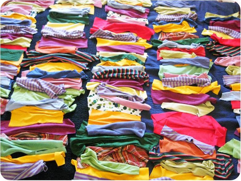 rectangles de samarreta retallats i posats per endreçar els colors