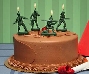 Nag on the Lake: Army Men Candles