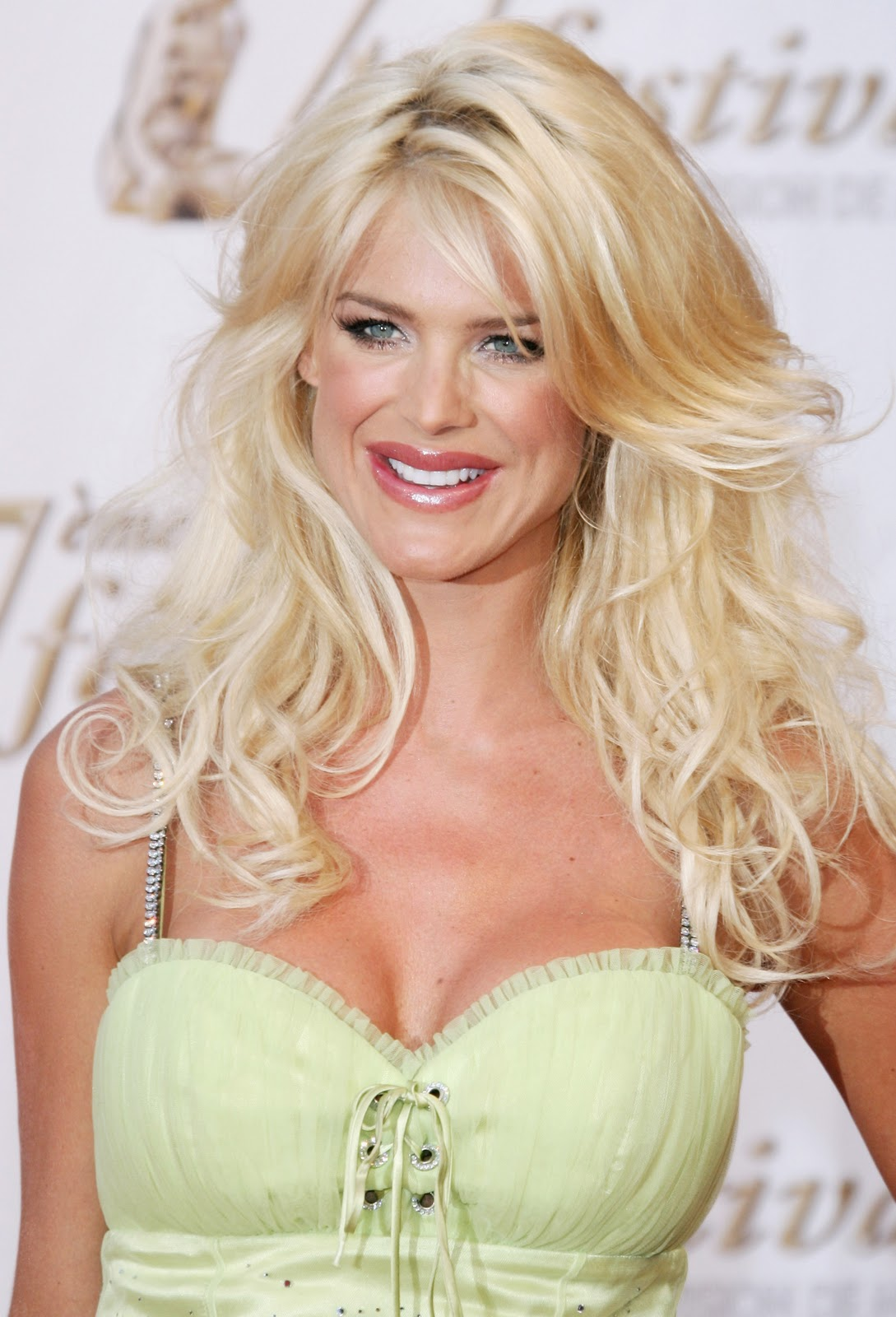 Victoria Silvstedt Nude Photos 100