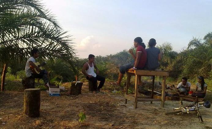 Anak-anak Simpang Rambutan, Suban, Tanjung Jabung Barat, Jambi.