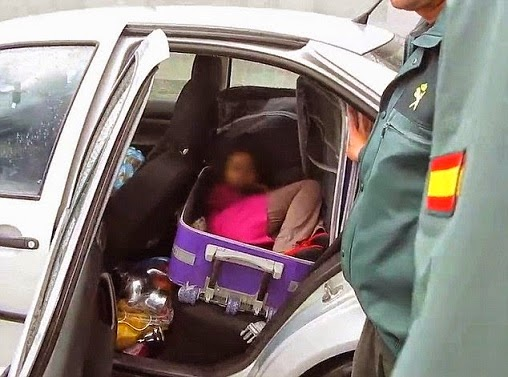 Moroccan FATHER Caught While Trying To Smuggle His 8-Year-old Daughter In Suitcase