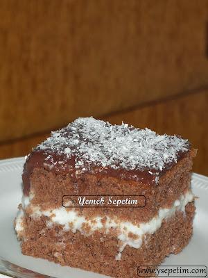 Çikolata Soslu Kremalı Kek Tarifi