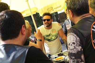 22 Kızıltoprak Showroom daki barbekü partimizden Fotoğraflar.