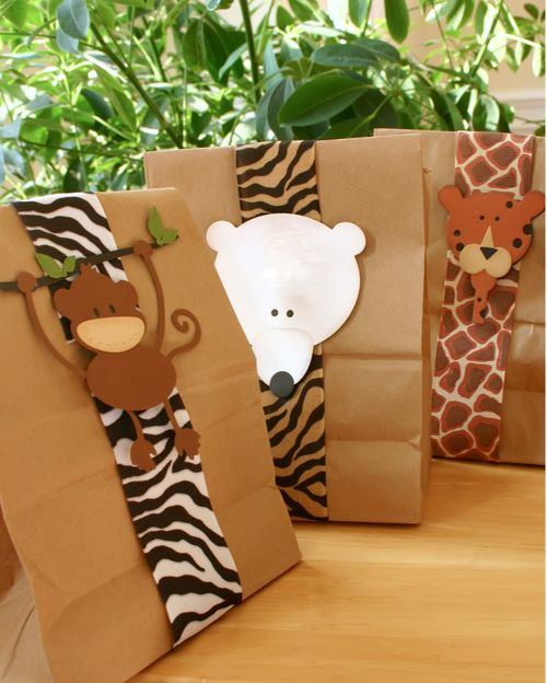 Party frosting zoo safari party ideas and inspiration for Animal decoration