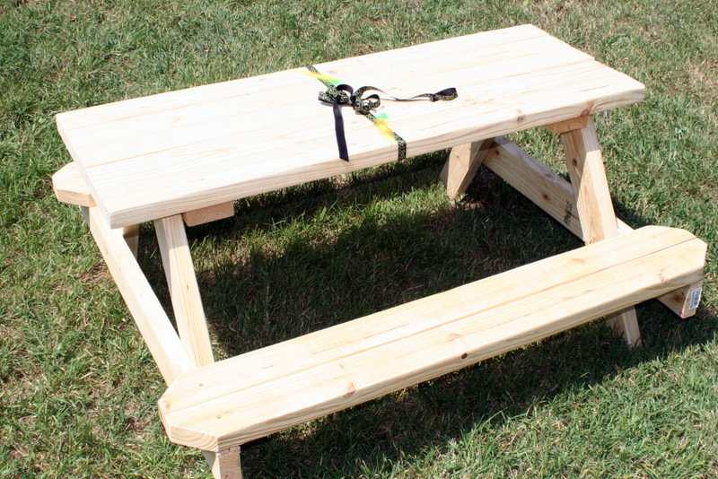 Greene Acres Hobby Farm: DIY Wooden Child Picnic Table Instructions