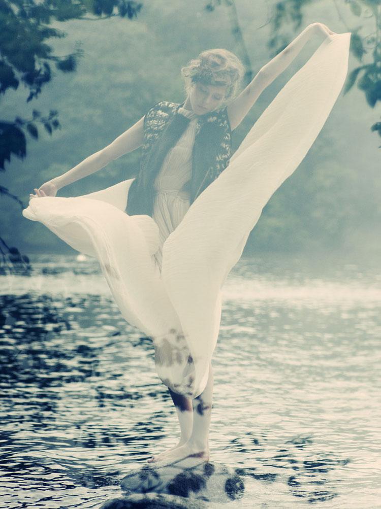 Zen Sevastyanova by Paul de Luna in Blank magazine no. 55 October 2010 fashion editorial