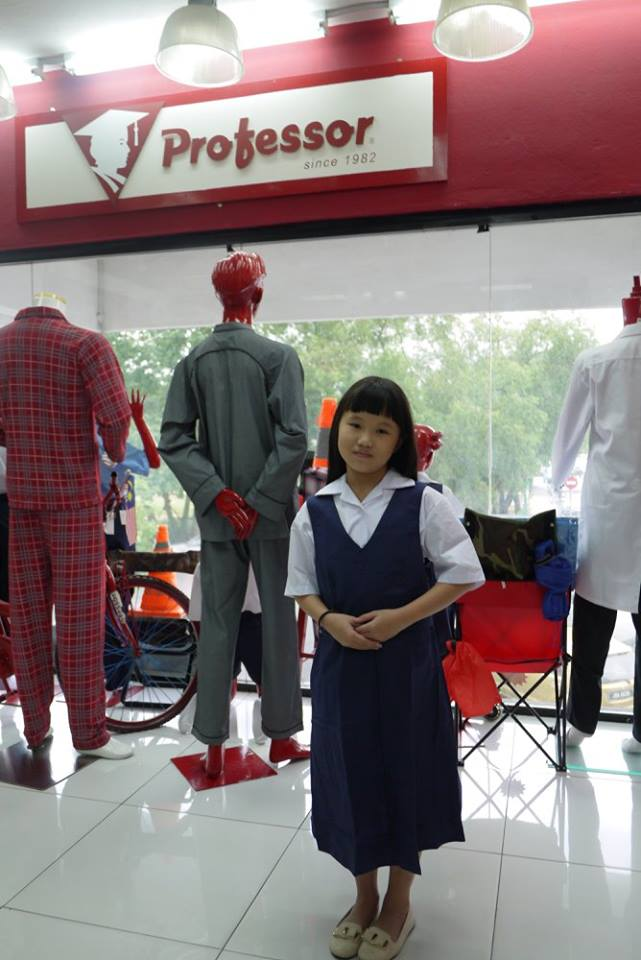 research against school uniforms One of the most common arguments against school uniforms is actually a counter to the argument that such a policy limits school violence studies and anecdotal reports from schools have been mixed as to whether uniforms actually decrease the incidence of.