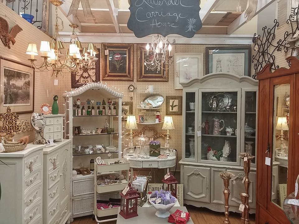 Booth Crush: Vintage Dealer Interview = Lavender Carriage House
