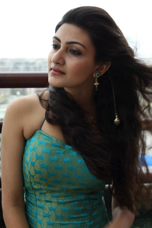 , Neelam Hot Pics In Green Backless Top