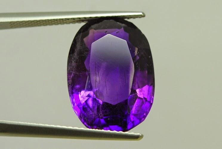 Batu amethyst atau batu kecubung