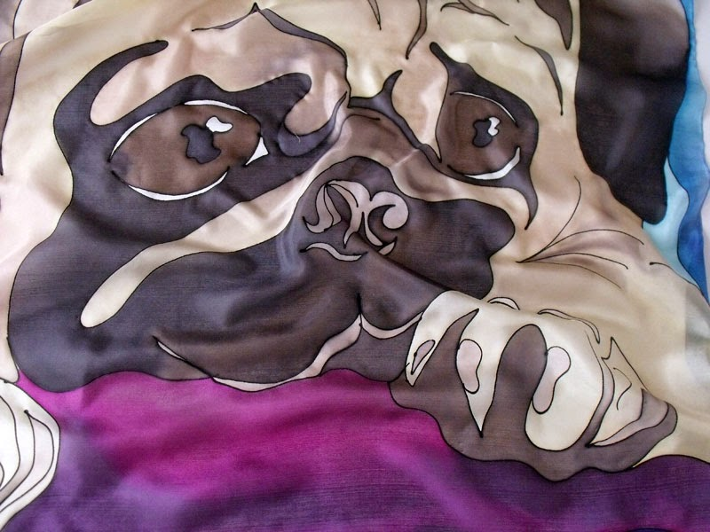 Mopsz selyemkendő - kézzel festett ajándék kutyabarátoknak