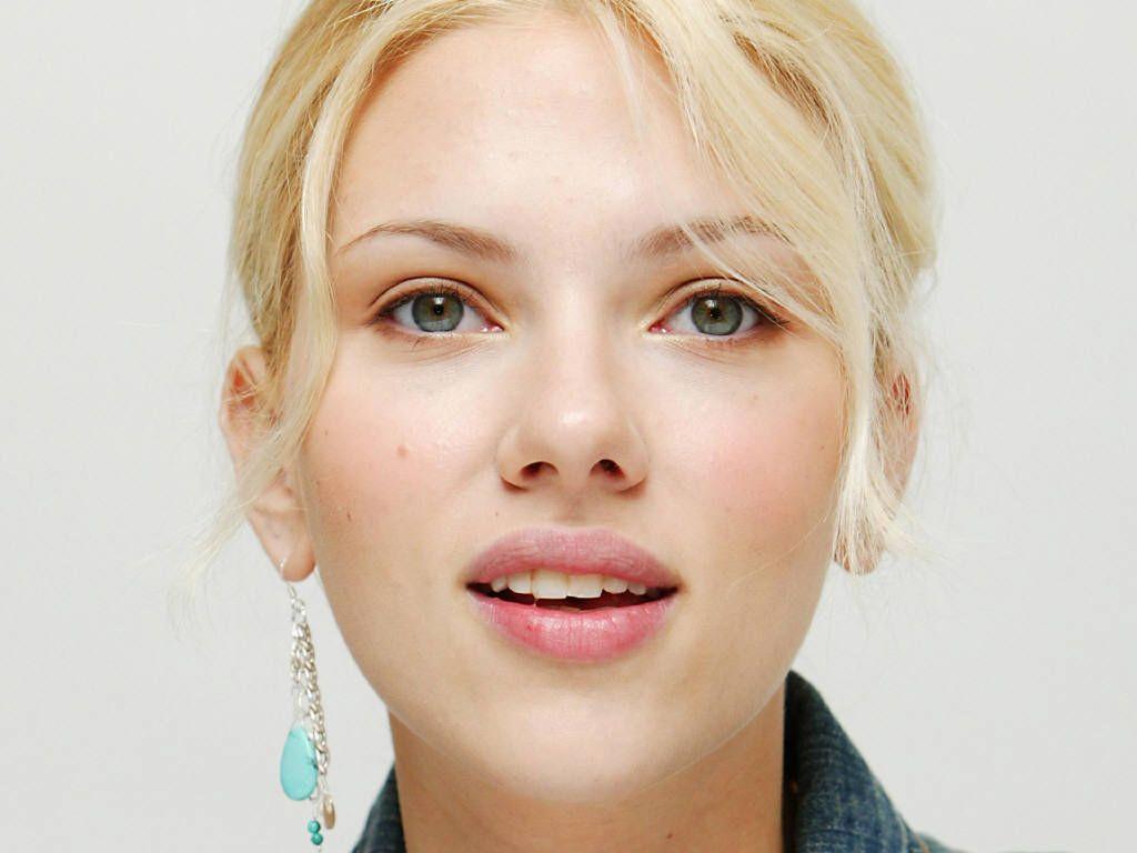 http://1.bp.blogspot.com/-7VVznDIZwbA/Tk1H0EhZGeI/AAAAAAAAB08/4s0QNQ04yWk/s1600/Scarlett-Johansson-Cute.jpg