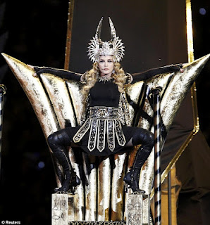 Madonna+Illuminati+Super+Bowl+Performance+2012 MEMBERS OF THE ILLUMINATI   LIST OF MEMBERS OF ILLUMINATI
