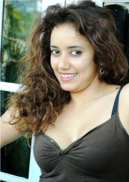Apsera Deeshani hot pictures