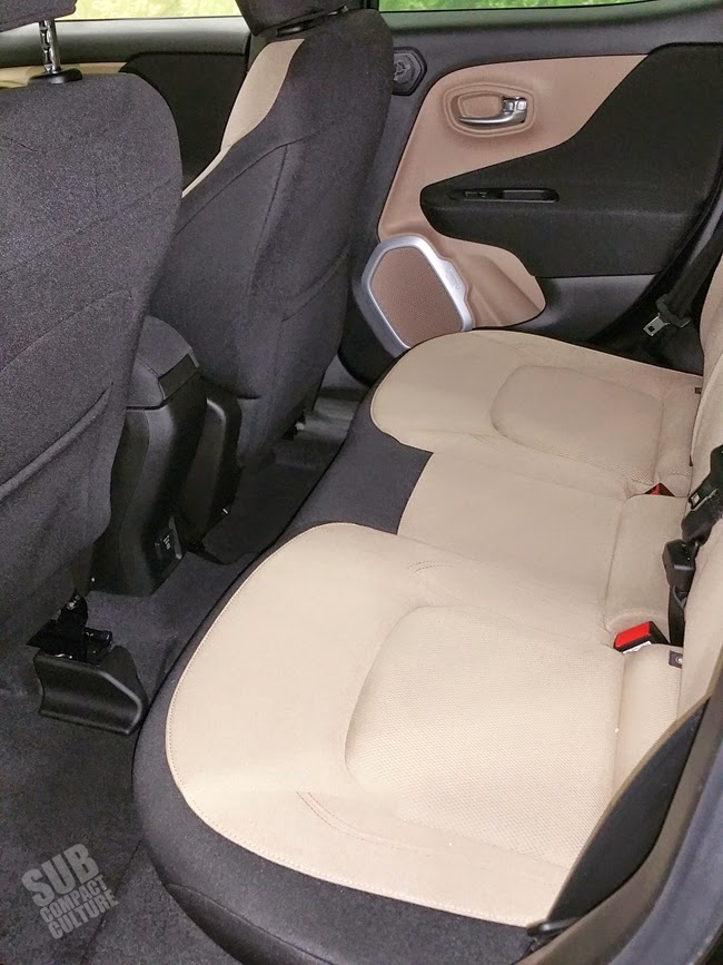 Jeep Renegade rear seat