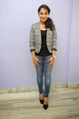 Pooja Ramachandran photo shoot-thumbnail-1