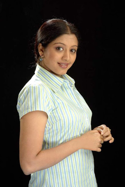 Tamil Movie Actress Sindhu Tolani Cute