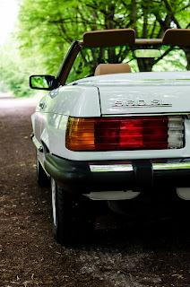 15 Mercedes-Benz 560SL R107 1988