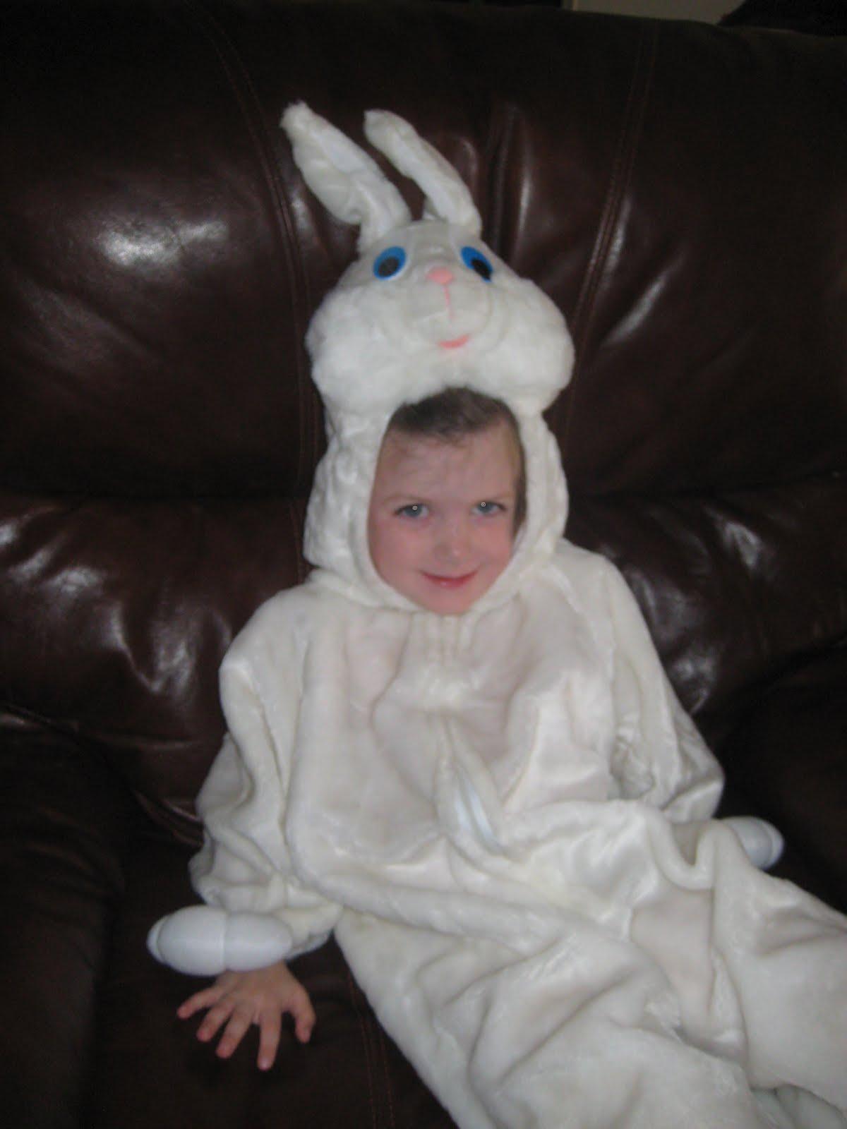 icdn.ru cute girl Ty was Spiderman, Ansley was a bunny, and Wyatt was a cute little monkey!