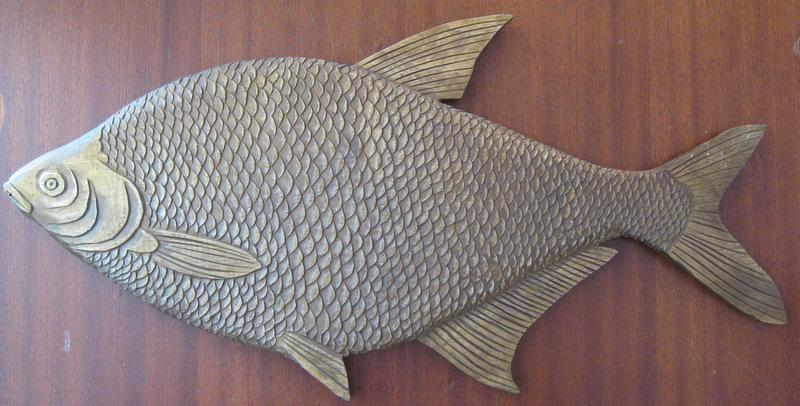 Резное декоративное блюдо Лещ украсит интерьер кухни, рыболовного магазина, ресторана