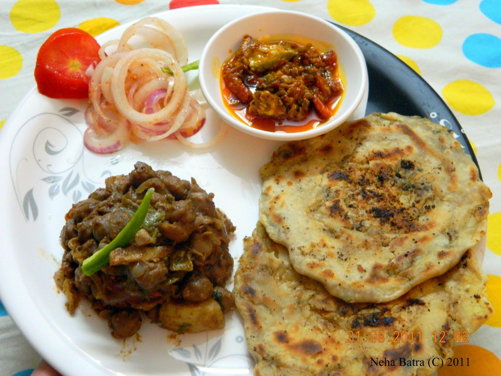 Foodies amritsari kulche stuffed wid aaloo for Amritsari cuisine