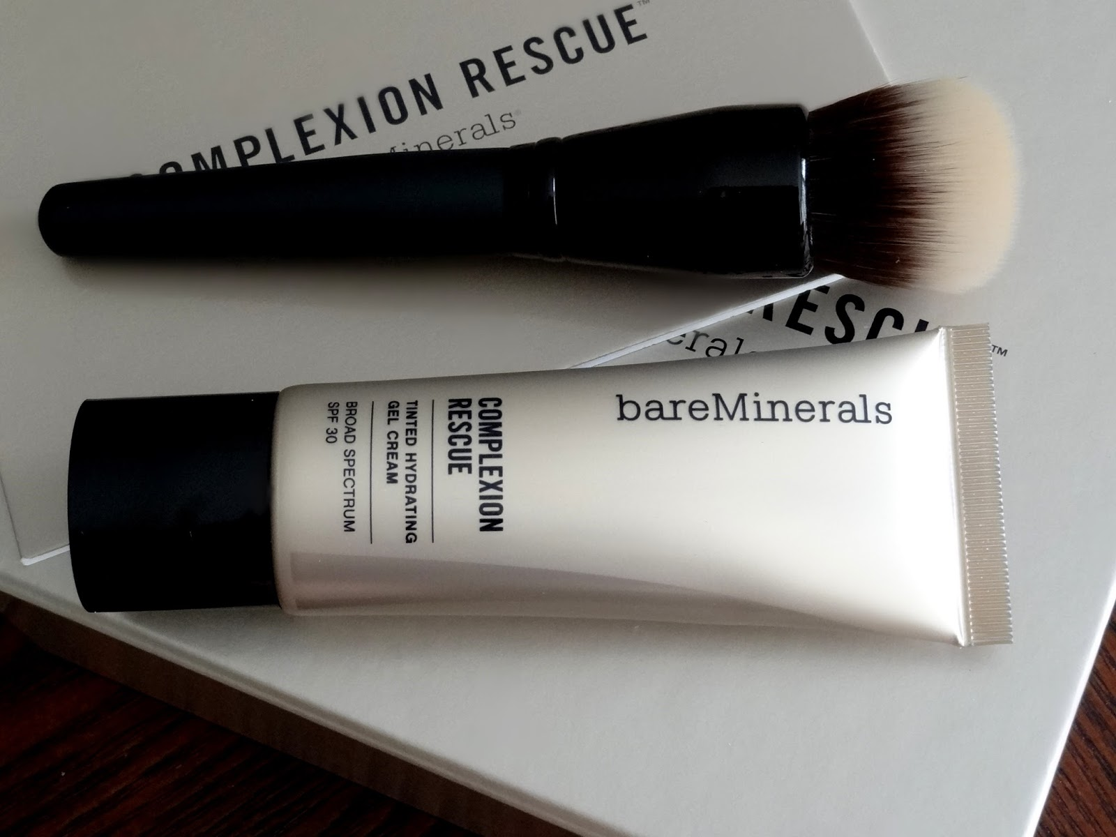 bareMinerals Smoothing Face Brush and Complexion Rescue in Ginger Review, Photos & Swatches