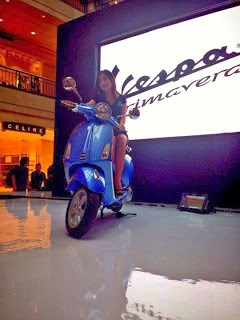 PT Piaggio Indonesia launched the Vespa Primavera 150 3V ie, carrying the campaign 'Do You Vespa ?' Vespa rider who portray a man who dared to be different, free ekspretion, young, dynamic, and full of style. This new scoter Piagio Indonesia is the latest generation of the line Vespa Primavera which was first present in 1968.