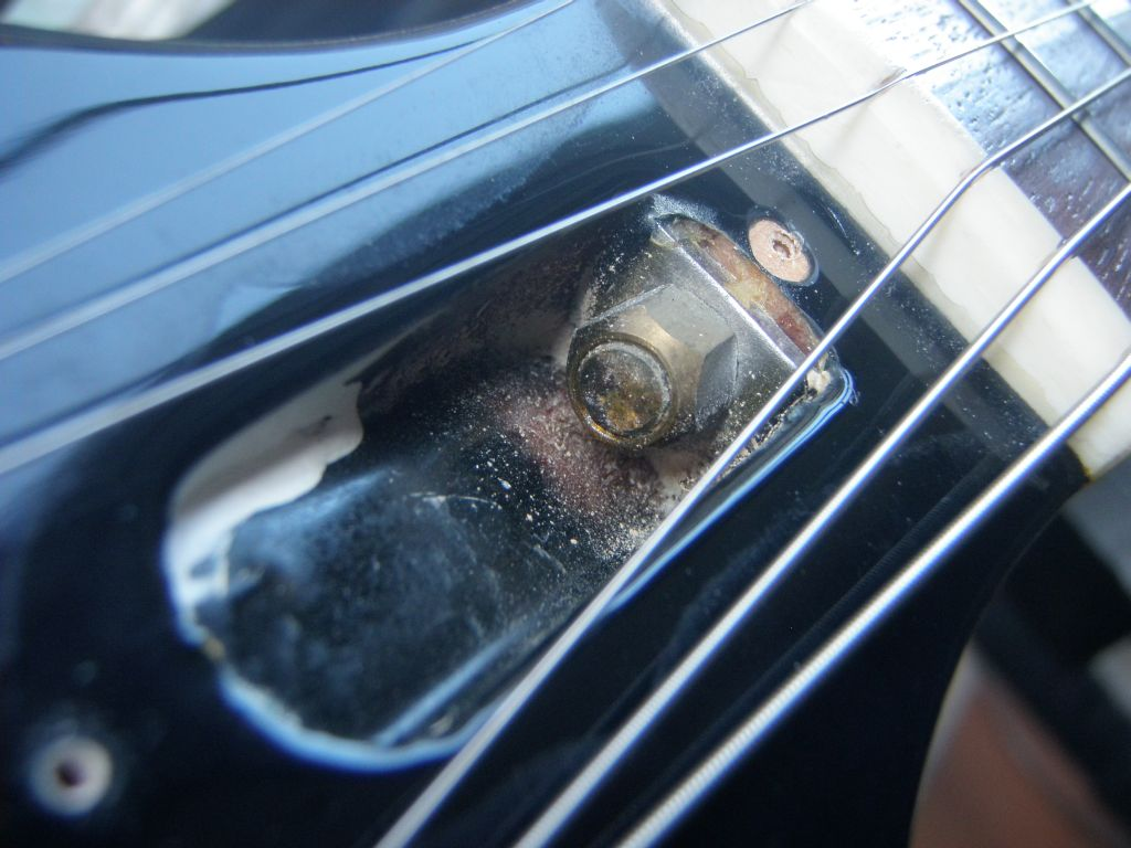 How To Set Up A Gibson Les Paul Style Guitar Diy Strat And Other Epiphone Wiring Diagram Http Wwwmylespaulcom Forums Anyway Heres You Adjust The Truss Rod This Must Be Done With Strings Tuned Whatever Pitch Usually Use If Your Neck Is Too Bowed Gap