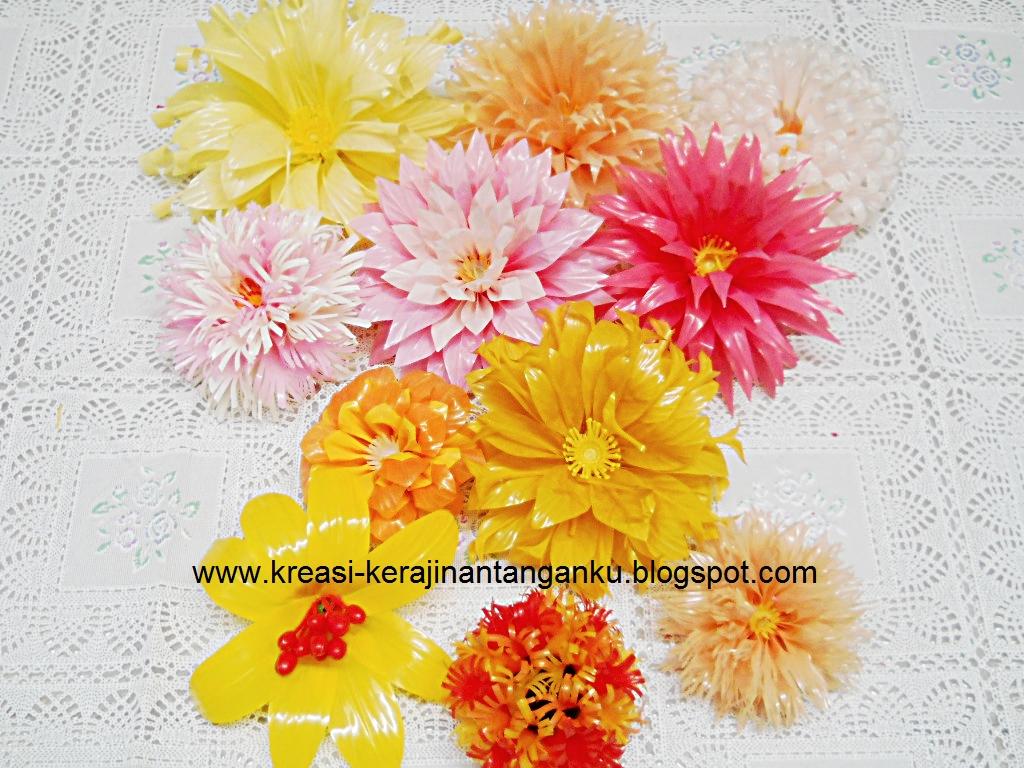Ada juga bunga yang sedotannya di bagi menjadi 8 bagian, di bagi dan ...