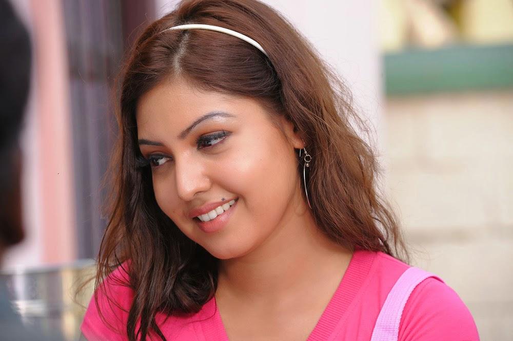 Komal Jha Glamorous Photos in Pink Top-HQ-Photo-15