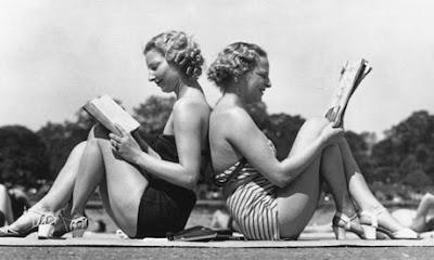 vintage women reading