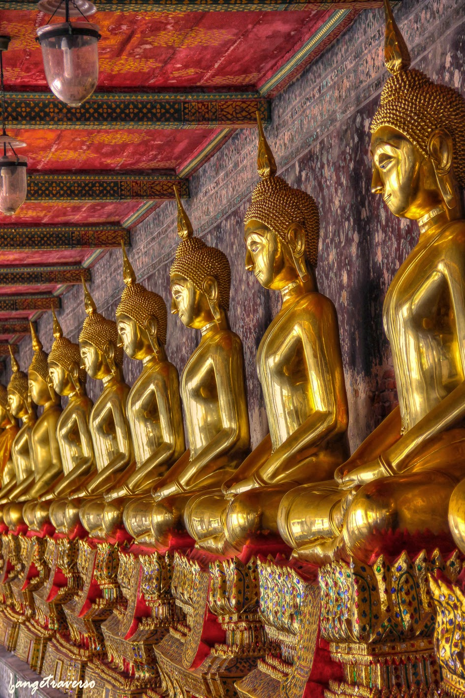rangée dans un temple à Bangkok