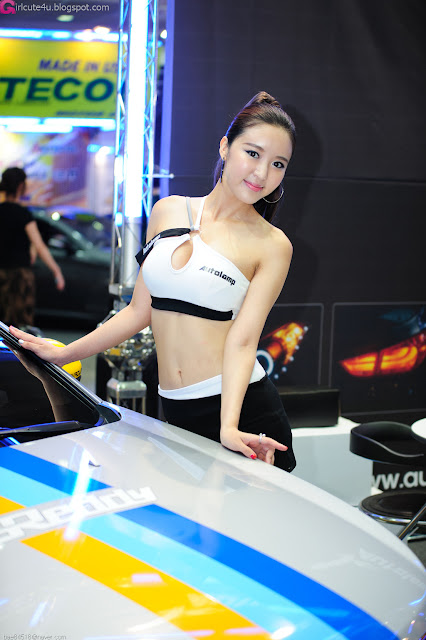2 Yoon Joo Ha - Seoul Auto Salon 2012-Very cute asian girl - girlcute4u.blogspot.com