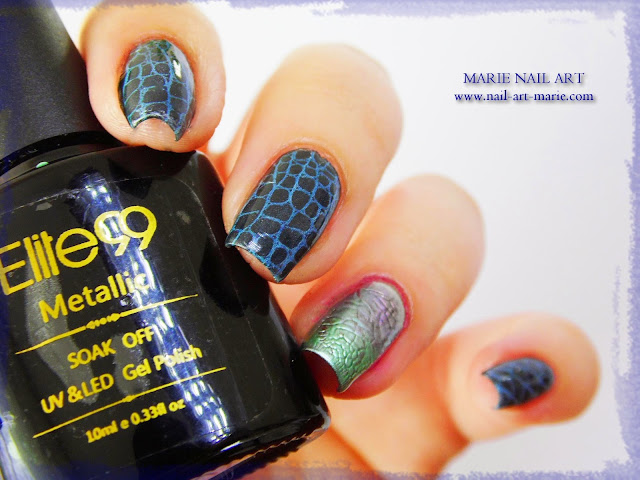 Nail Art Accent Nail Python Chromé5