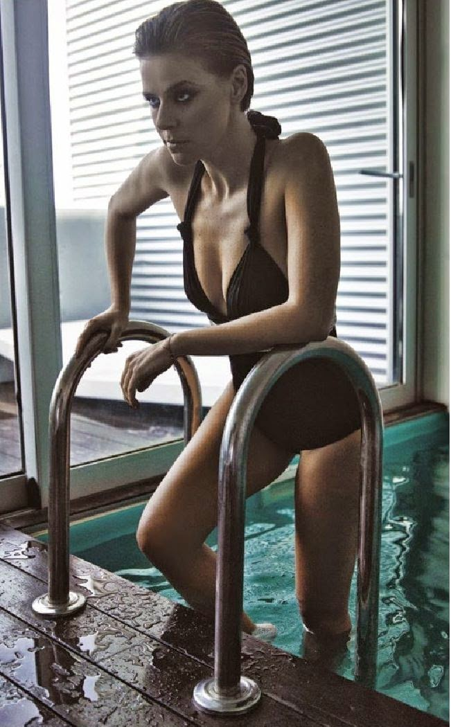 Leonor Poeiras na Men's Health Abril 2014