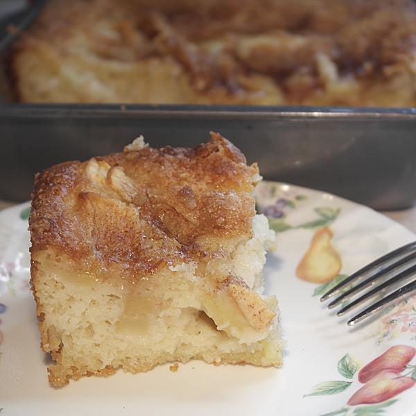 Urban Whisk: Easy Apple Cake
