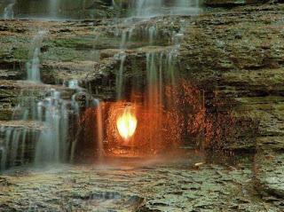 Οι επιστήμονες δεν μπορούν να εξηγήσουν την προέλευση της αιώνιας φλόγας στη Νέα Υόρκη - Βίντεο