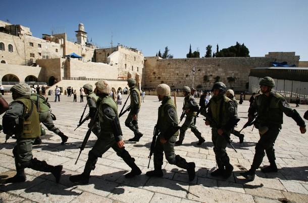 Kelompok Yahudi Israel Serang Masjid Al-Aqsho