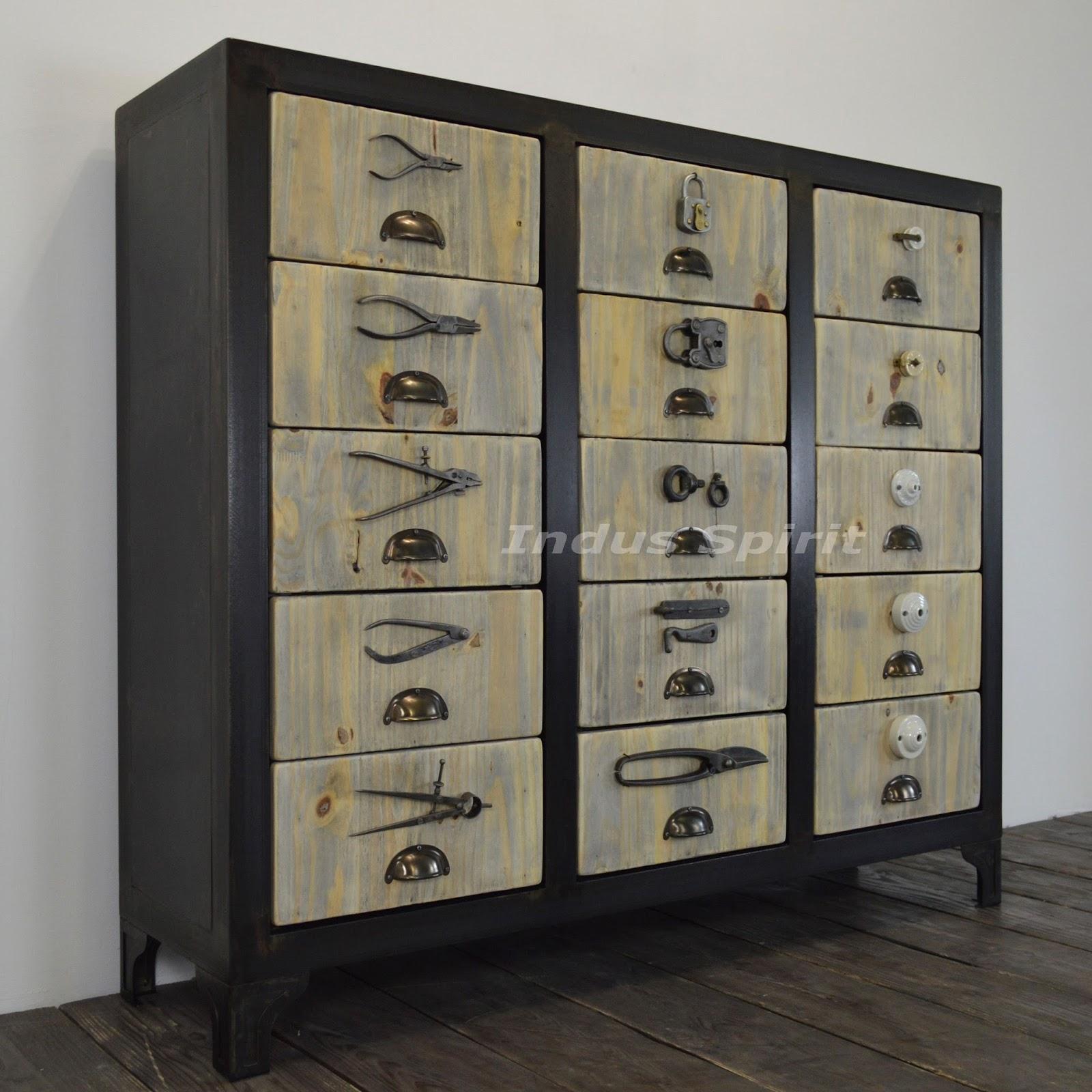 Meuble de style quincaillerie for Style de vie meuble