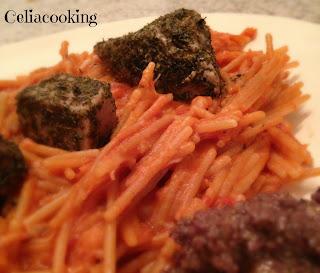 mtchallenge di marzo: fideuà senza glutine con tonno alle erbe antiche e salsa di olive nere, noci e acciughe