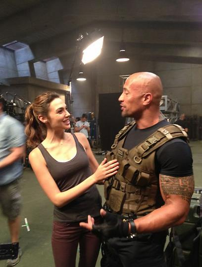 amanti delle supercar fast furious 6 new pics from backstage immagini inedite dal backstage. Black Bedroom Furniture Sets. Home Design Ideas