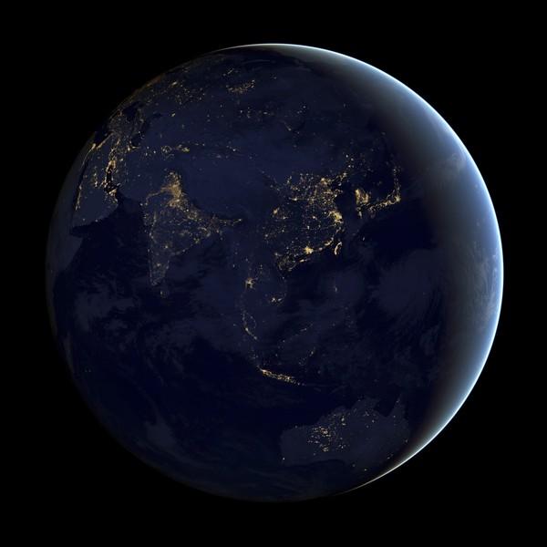 (Gambar dan Video) NASA Dedah Rupa Bumi Pada Waktu Malam