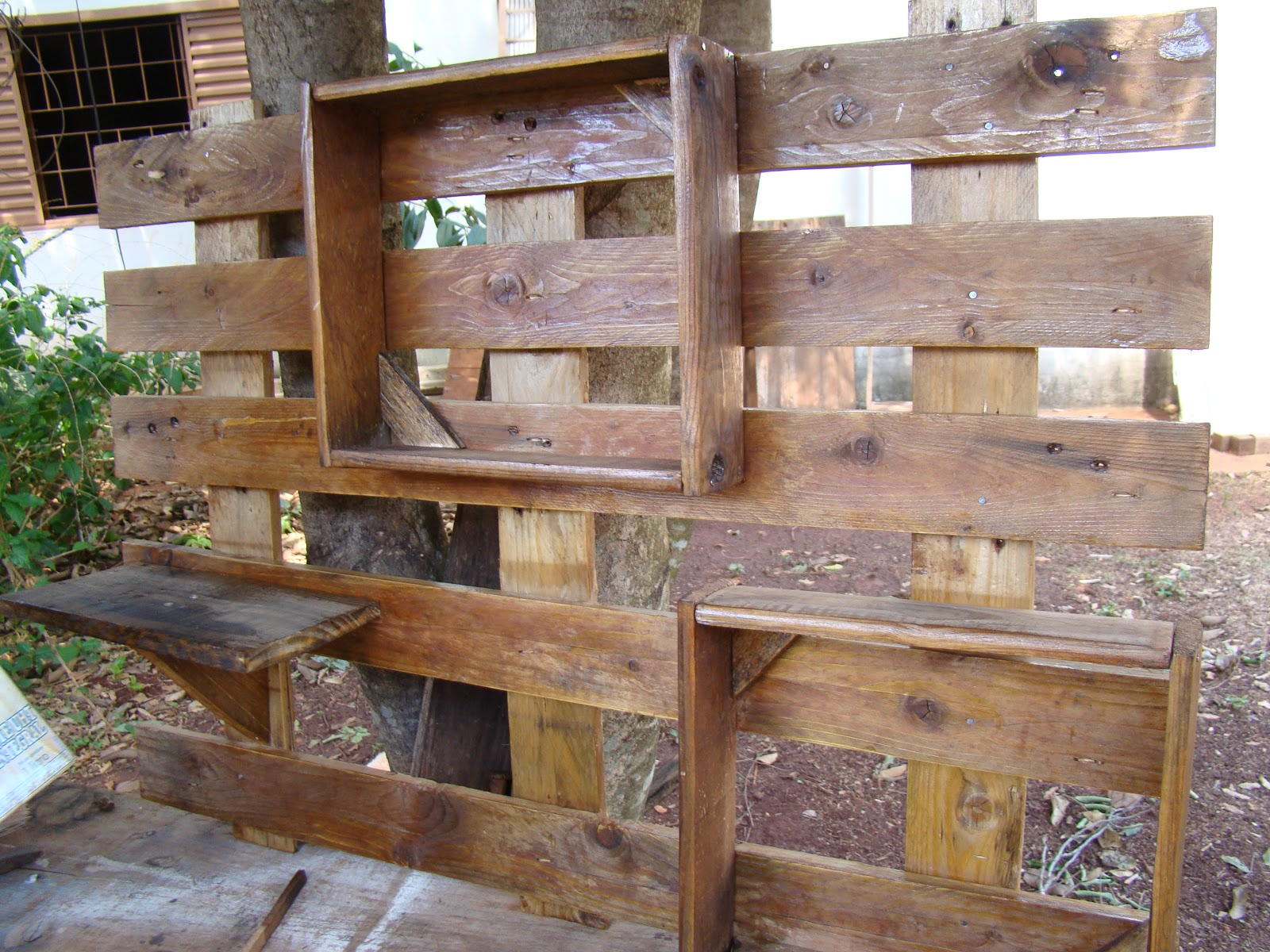 Baseada na Reciclagem: Peças de Decoração em Madeira Reciclada #684634 1600x1200