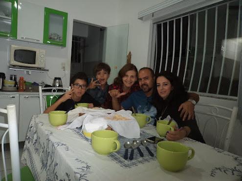MAMI, FILHOS E ESPOSA