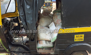 Auto-rickshaw, Sand mafia, Seized, Kasaragod, Police, Thalangara, Malik deenar, Custody, Kerala, Kerala News, International 