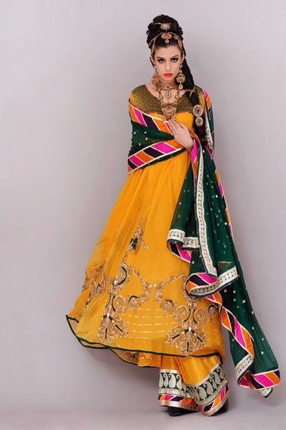 Mehndi Bride Outfit : Latest and best new look bridal mehndi dresses